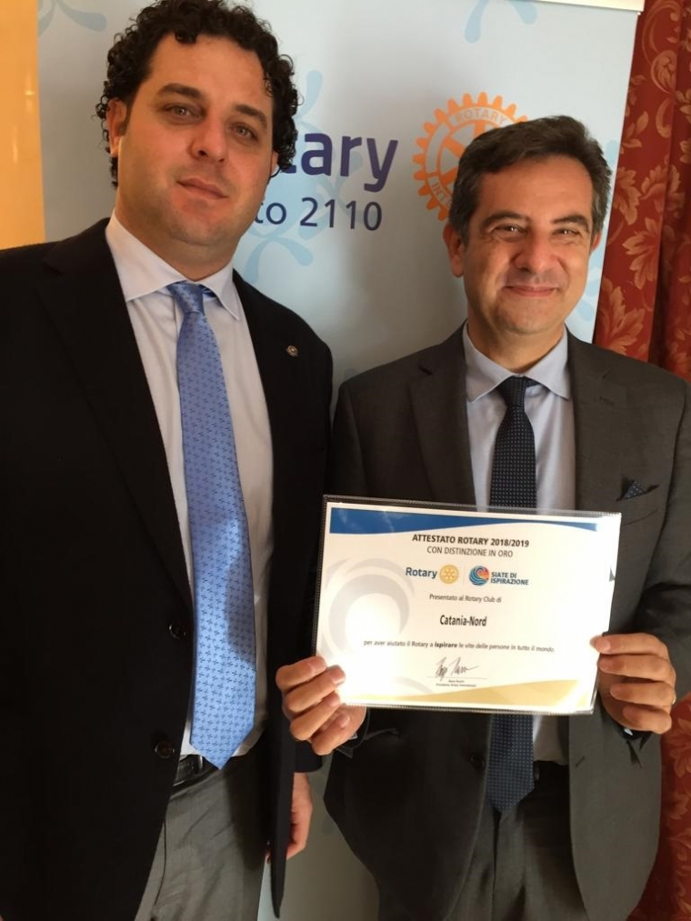 Attestato al Club dal Rotary International con distinzione in oro